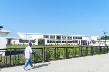 Le plus grand hôpital du monde à énergie solaire est en Haïti