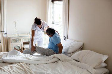 Les Hôtels Hospitaliers, une alternative écologique aux soins à domicile ?