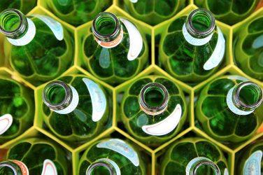 «Pourquoi détruire une bouteille en verre quand elle pourrait être lavée ?»
