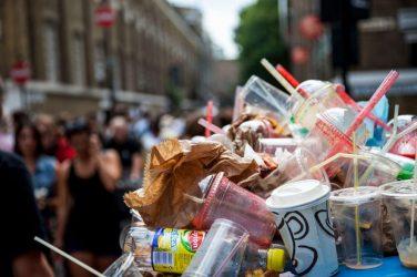 Les océans, malades des pailles en plastique