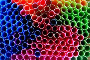 La fin des pailles plastiques et le salut des océans ?