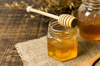Du miel au microplastique? Et c'est bon pour nous ça?